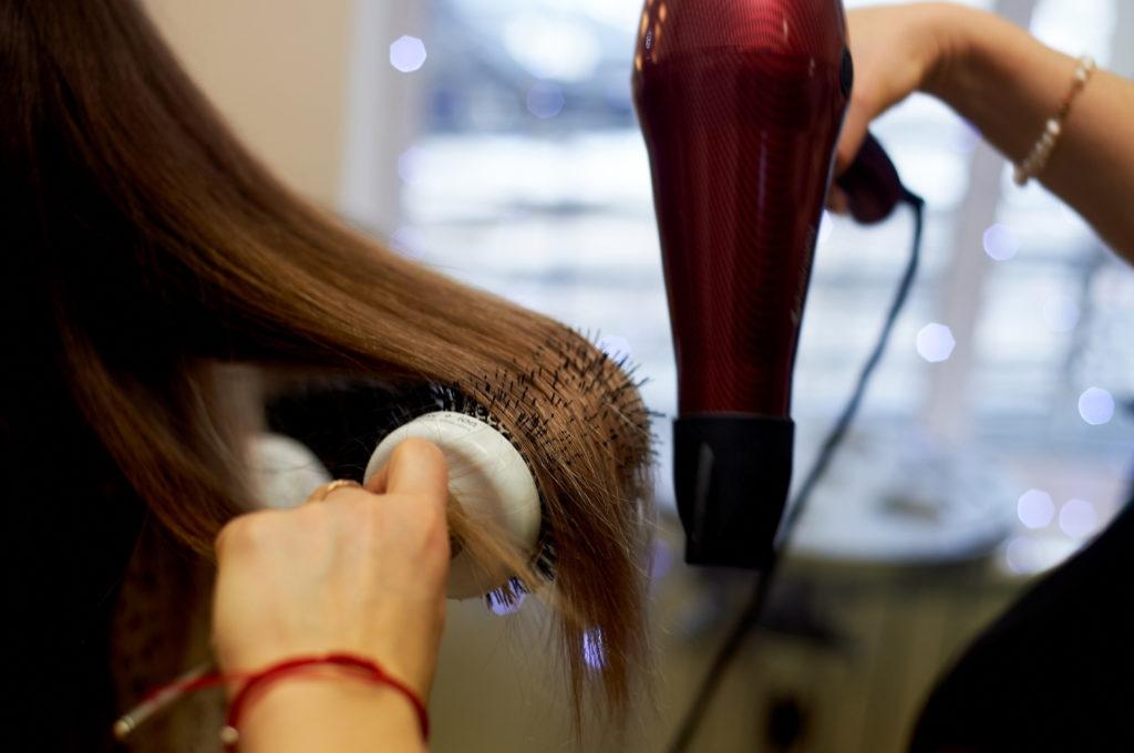 Выпрямления волос. Какие бывают способы.